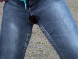 EroBerlinhose vollgepisst